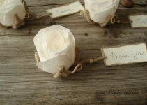 rustic small flower place cards