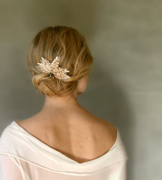 vintage inspired hair comb via 15 Stunning Wedding Veil Alternatives