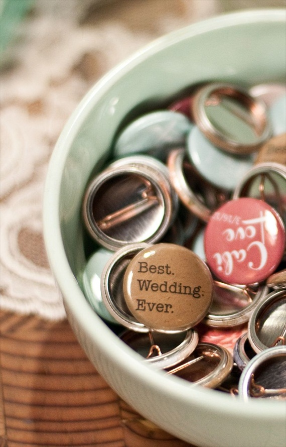 DIY Wedding Ideas: Wedding Buttons (by Harmony Creative Studio), photo by Meghan Christine Photography