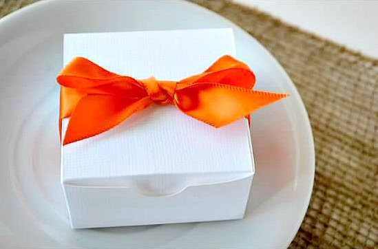 wedding favor boxes - white box with orange ribbon (by sosia to go)