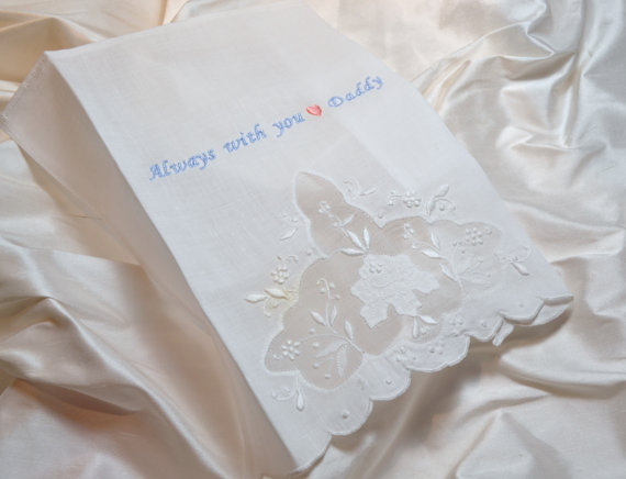 wedding handkerchief dad (via Ways to Thank Parents at Your Wedding)