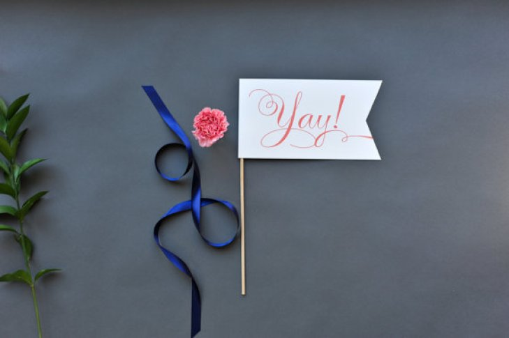 Photo Prop Sign | via How to Make a Polaroid Guest Book