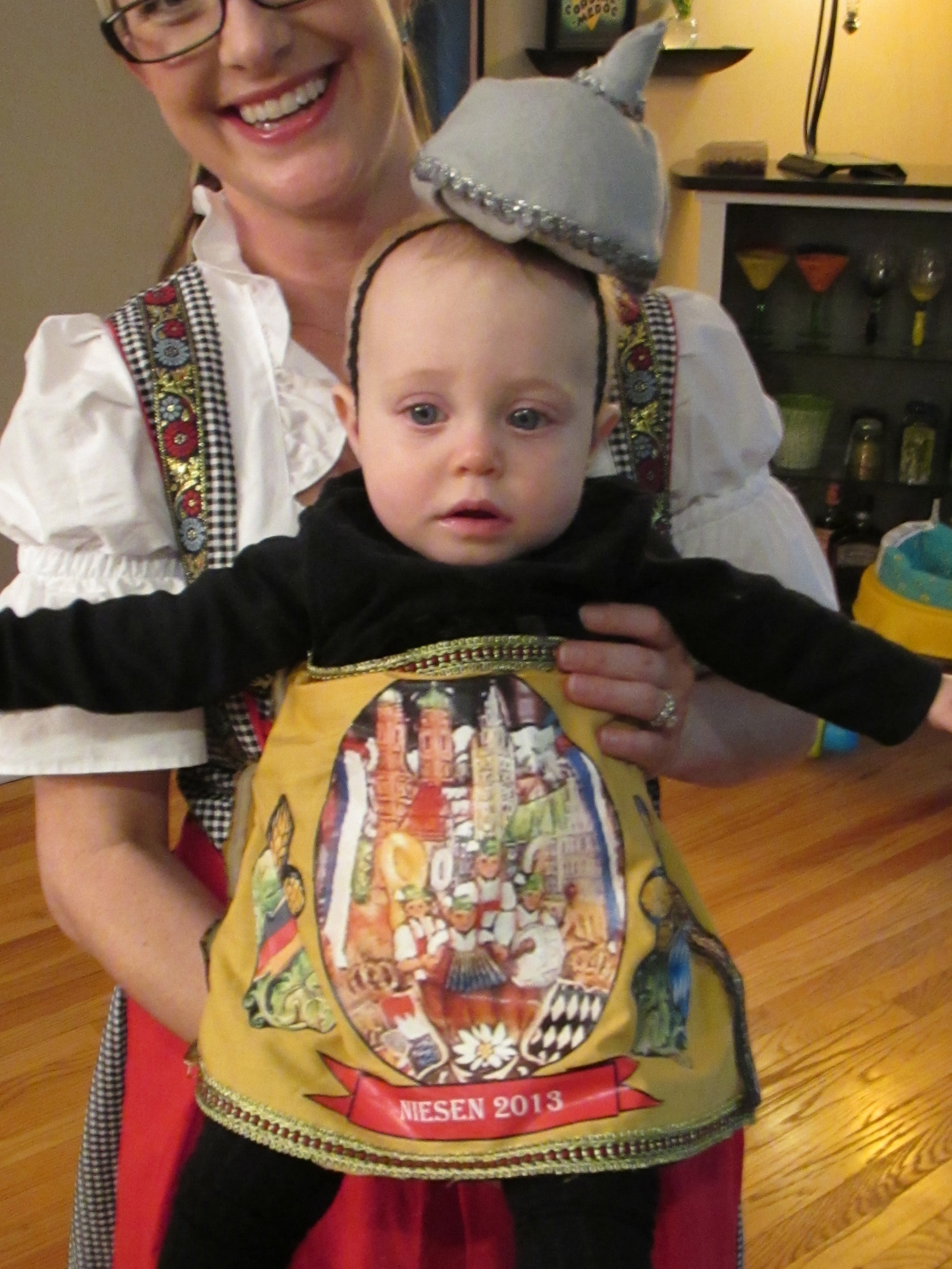 Baby Model München Halloween 2013 German Beer Family Prost Emodel Your