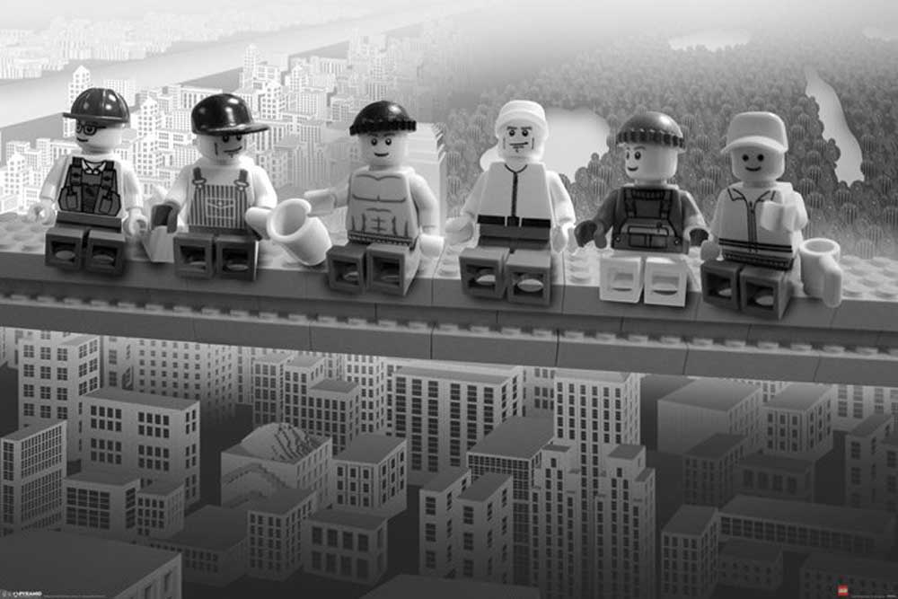 Kuckucksuhr Modern Lego - Lunch On A Skyscraper - Poster - 91,5x61
