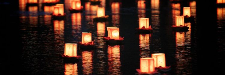 lighted-candles-on-the-river-photography-hd-wallpaper-1920x1080-9899