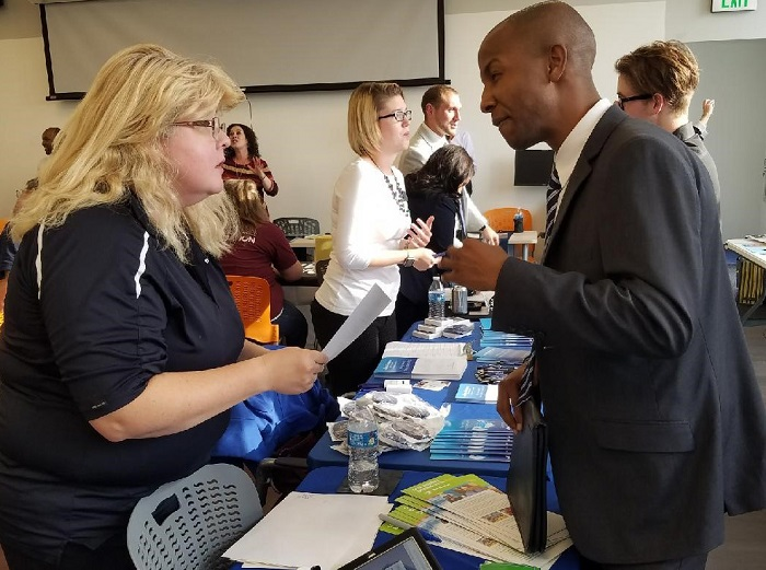 6 things to do (or not do) at career fairs - Empowering Michigan