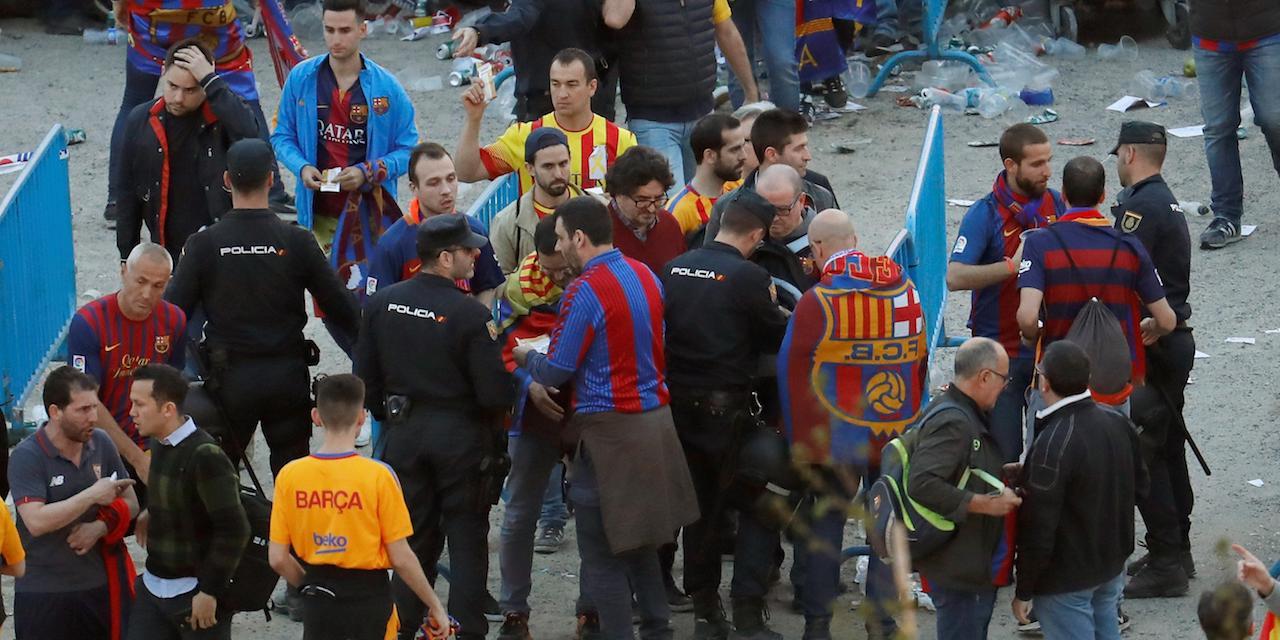 La Policía Nacional evita que un grupo de chinos entre en la final de la Copa del Rey