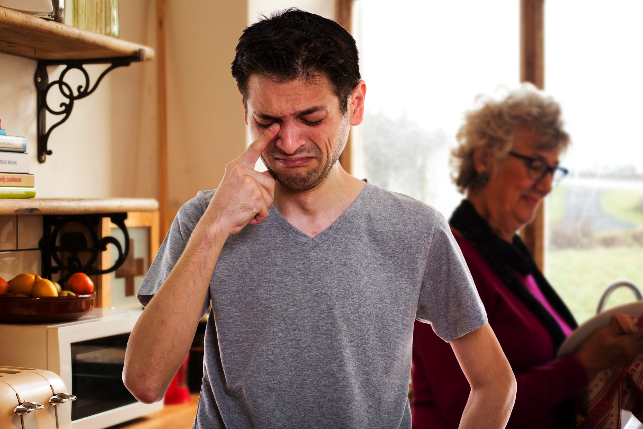 """Un """"tirillas"""" demanda a su abuela, que le dijo que comiendo espinacas se haría fuerte"""