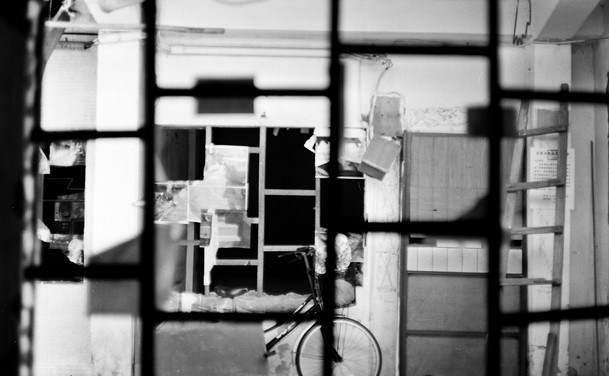 Through the window – Fuji Acros 100 (120)