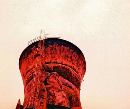 Red giant – Fuji Velvia 100F RVP100F XPRO (35mm)