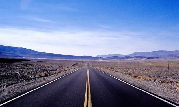 Death Valley Approach #02 – Kodak EKTACHROME 100VS – E100VS (35mm)
