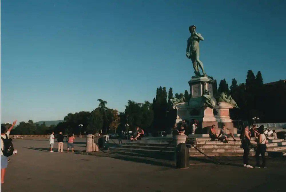 Piazzele Michelangelo – Olympus OM1 Fuji C200