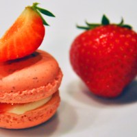 Dreams of summer 5: Strawberry and cream cheese macarons