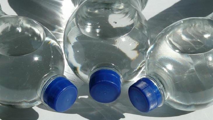 WARNING The Dangers of Plastic Bottles Health - BabaMail