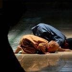 muslim-children-offering-prayer
