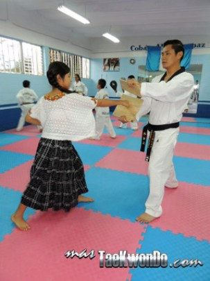 DSCN3227_Proyecto-Coban_Taekwondo-Guatemala_3-286x382
