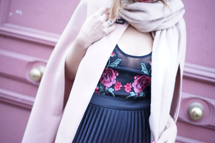 How to wear flowery look this winter !