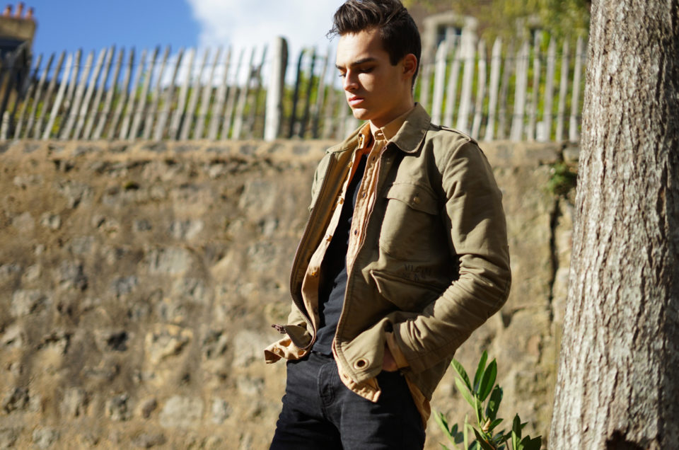 A perfect man casual look for the autumn's end