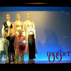 Window-Display-Mothers-Day