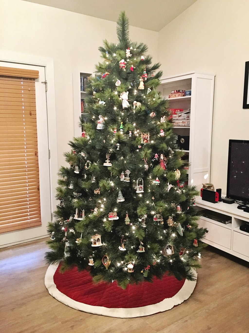 How To Make Your Own Tree Stand Balsam Hill Christmas Enchanté