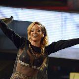 """APA13631454 - 09072013 - WIEN - …STERREICH: Die SŠngerin Robyn Rihanna Fenty alias """"Rihanna"""" wŠhrend eines Konzertes am Dienstag, 9. Juli 2013 in Wien APA-FOTO: HERBERT P. OCZERET"""