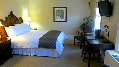 The Historic Victorian Charm of the Idlewyld Inn