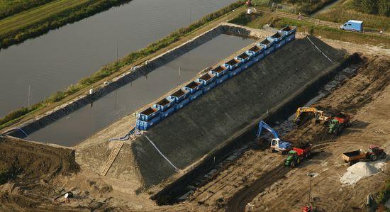 Estabilidad de taludes. Vista aérea del dique a escala real de IJkdijk