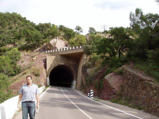 lazo carretero en túnel de la CV-223 entre Aín y Eslida, en Castellón - Boquilla inferior