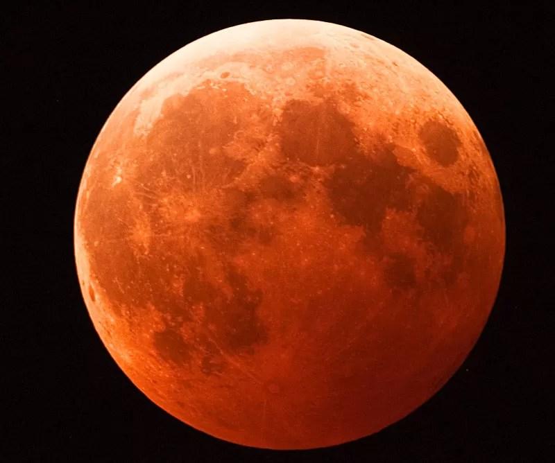 luna_roja