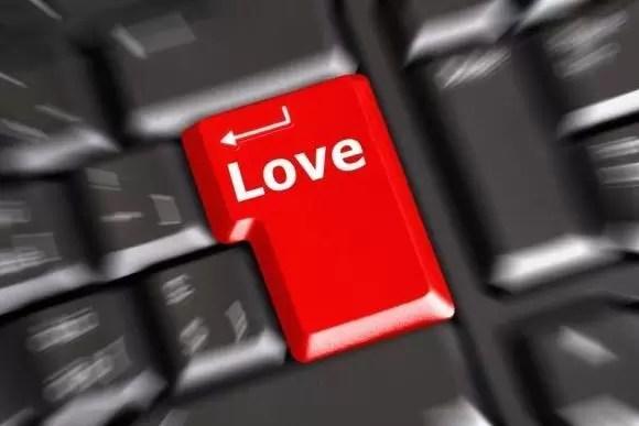 amor internet teclado