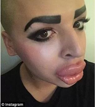 Kim-Kardashian-fan1