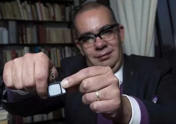 México: Polémica crítica a Juan Gabriel obliga a renunciar a director de TV UNAM