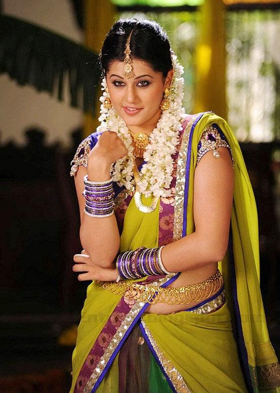Kajal Agarwal Cute Wallpapers Gt Tapsee Latest Cute Amp Hot Saree Stills Tapsee Hot Photos