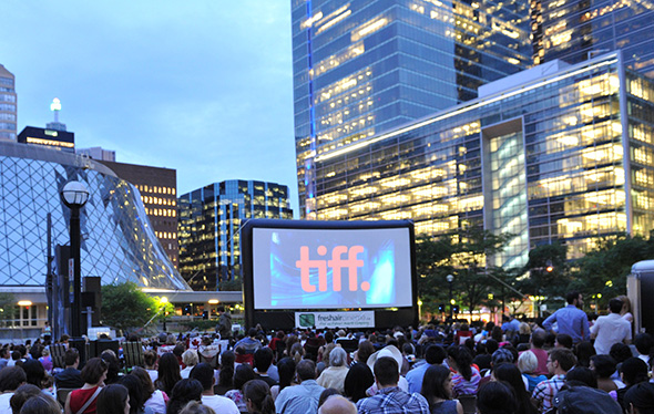 FREE OUTDOOR FAMILY MOVIE GUIDE IN ONTARIO