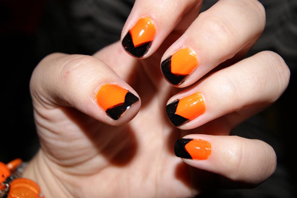 30 Best Happy Halloween Nail Art Design Ideas