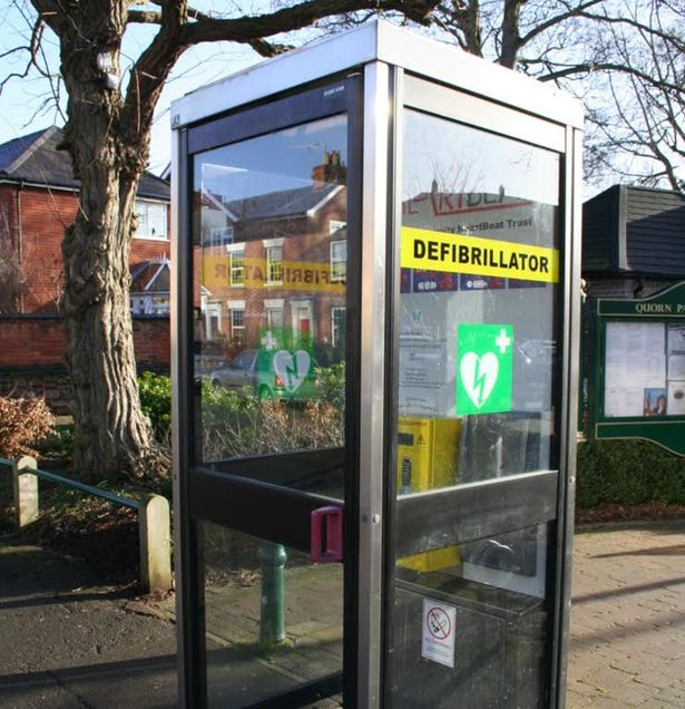 defibrillator-station-inside-of-old-telephone-booth