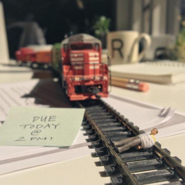 miniature-office-7