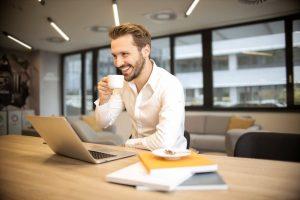 keuntungan dan manfaat menjadi wirausaha - cara membangkitkan semangat kerja yang menurun