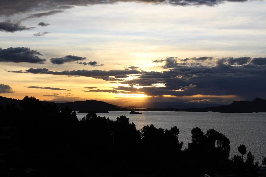 coucher-soleil-amantani