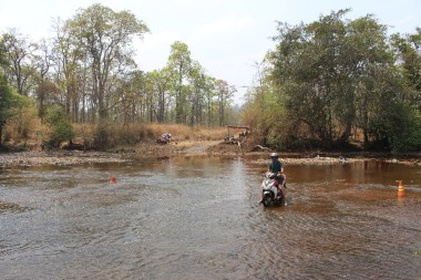 riviere-scooter-mondolkiri