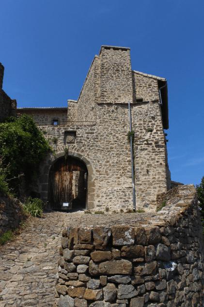 La porte d'entrée de Poët Célard
