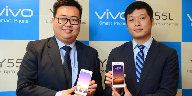 mr-kent-cheng-ceo-vivo-india-and-mr-vivek-zhang-cmo-vivo-india-at-the-launch-of-y55l-nxpowerlite234