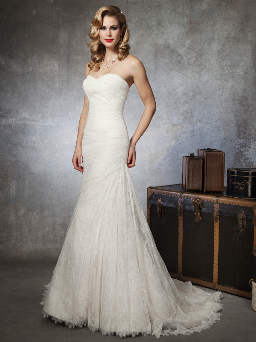 designer mori lee wedding gowns wedding dress chantilly lace decorated with venice lace appliques on net chantilly lace wedding dress designer Mori Lee wedding gowns wedding dress CHANTILLY LACE DECORATED WITH VENICE LACE APPLIQUES ON
