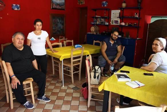 La familia Bruno, propietaria de una pizzería en Isola di Capo Ruzzo, a la que iba a comer con asiduidad el padre Escordio
