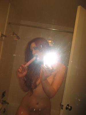naked girl selfies