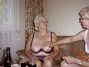 oma granny close