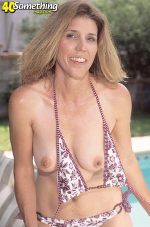 mom saggy breast