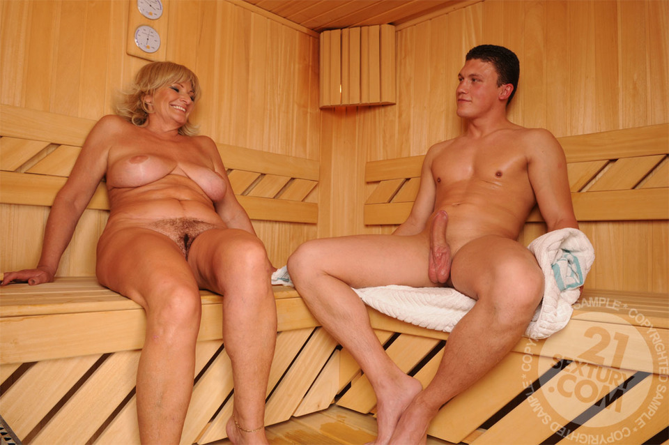 Old granny having sex with boy xxx nude pictures