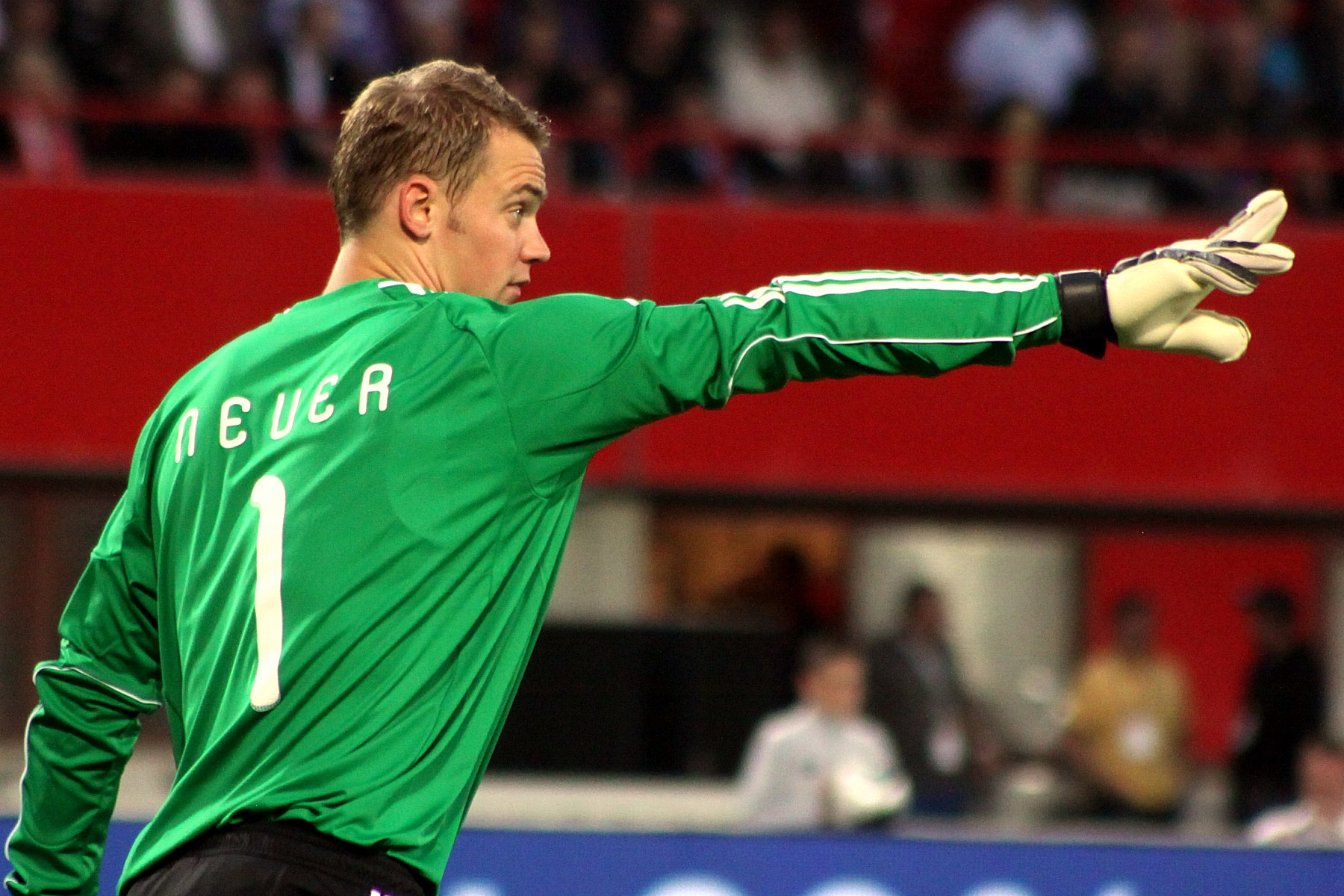 Manuel_Neuer,_Germany_national_football_team_(06)