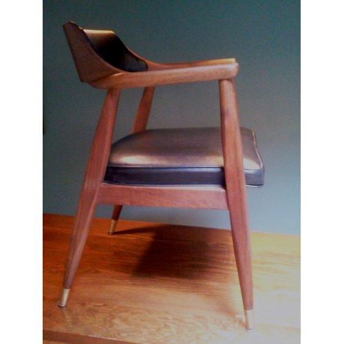 Medium Crop Of Mid Century Modern Chair